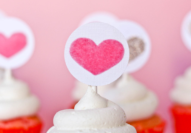 Super Simple Cupcake Toppers with Silhouette