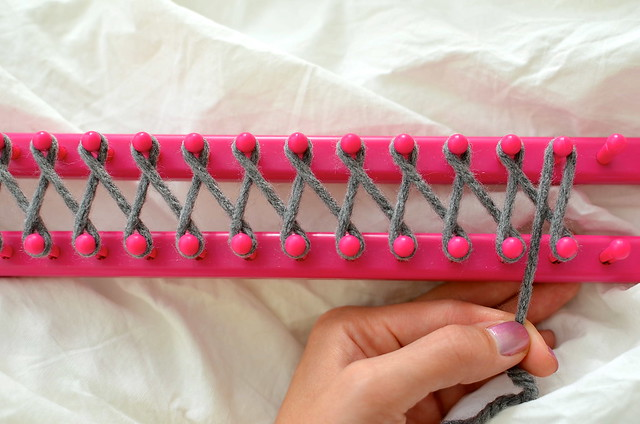 Diy How To Use A Knitting Loom To Make An Infinity Scarf