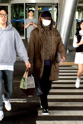 Big Bang - Incheon Airport - 28sep2015 - bunnyslipper - 02