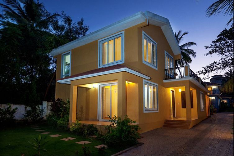 Luxury 3 BHK Villa in Goa 700 meters from Candolim Beach