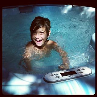 Lydia im Whirlpool