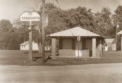 S Il Standard Station edit LRRH