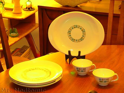 DSCN1911 & Mr. Modtomic: This HUGE Set Of Canonsburg Temporama Dinnerware ...