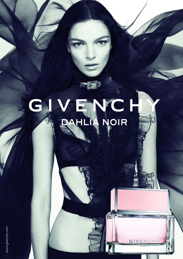 DAHLIA NOIR EDP WAVE 2_MODEL VISUAL INTL_A3 PRINTING USE IMA.jpg