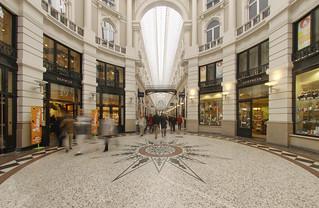 Interior del Pasaje, el centro comercial cubierto más antiguo de Holanda.