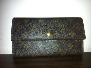 lv wallet 3 folds