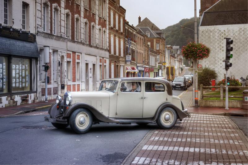 [urban] vintage car