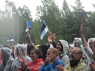 The crowd for Ewert and the Two Dragon, Positivus 2012