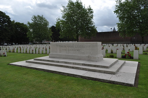 2012.06.30.022 - IEPER - Militaire Begraafplaats 'Ypres Reservoir Cemetery'