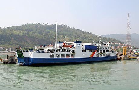 kapal ferry selat sunda