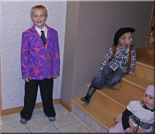 Halloween 2012 - Kickin Back