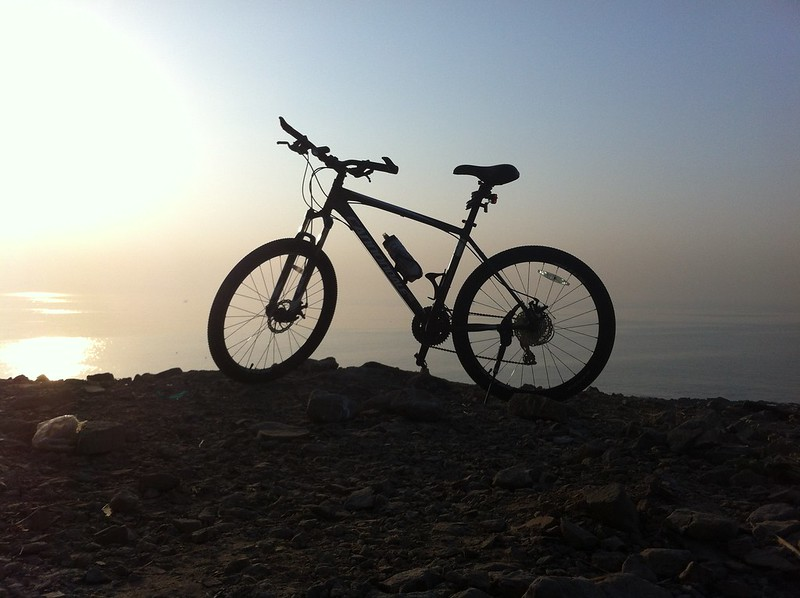 Cycle at Madh Fort