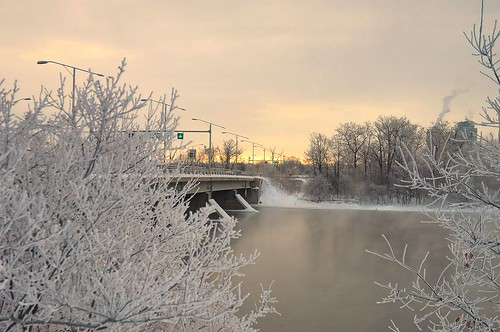 morning bridge winter light sky snow ontario canada cold ice water sunrise river island frost view traffic quebec ottawa horizon scene champlain icy bate beyondhue