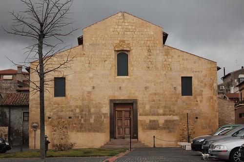 Tarquinia: chiesa