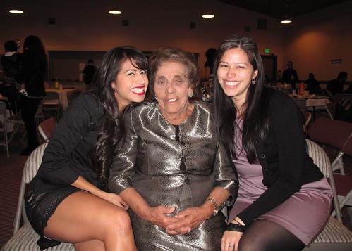 Lori, Mamá Toni, me
