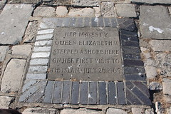Photo of Elizabeth II grey plaque