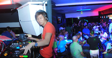 Jelly Party + DJ Chino Bass @ Sober Lounge