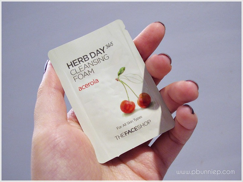 TFS Herb Day Cleansing foam_01