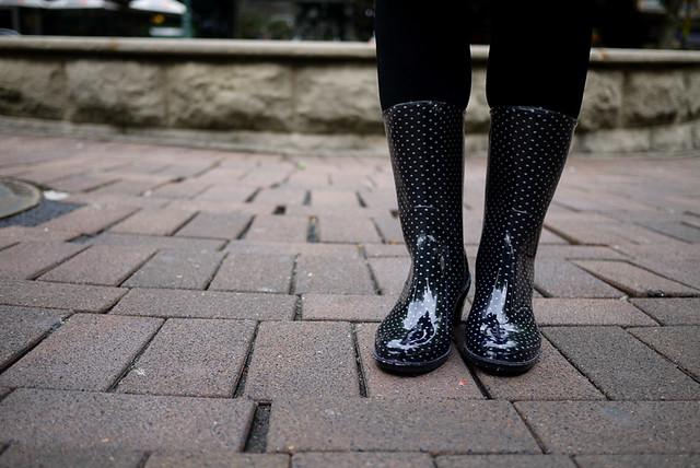 Style Musings: Dotted Rain Boots
