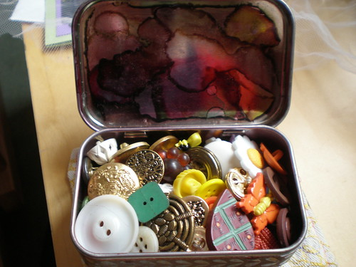 Button Tin - full