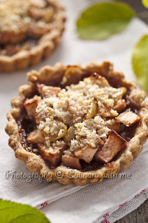Apple and grape tart with red wine