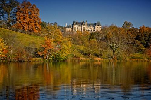 house reflection fall estate asheville lagoon vanderbilt foliage biltmore blueridgemountains biltmoreestate biltmorehouse ashevillenc canonef2470mmf28l canoneos5dmarkiii
