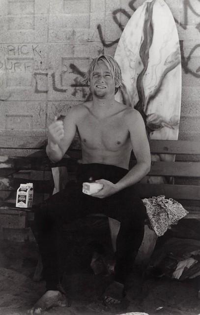 vintage-venice-beach-surfer-1970s