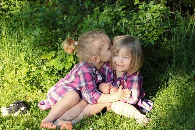 E and P kiss