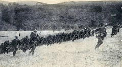 Anonymes 1914-18- Bataille de la Marne - Septembre 1914, Plateau d'Etrepilly aux abords du cimetière-charge à la baionnette. - Photo of Le Plessis-Placy