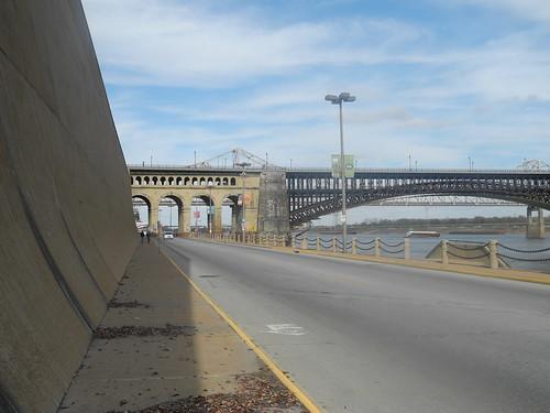 Мост. Просто мост.