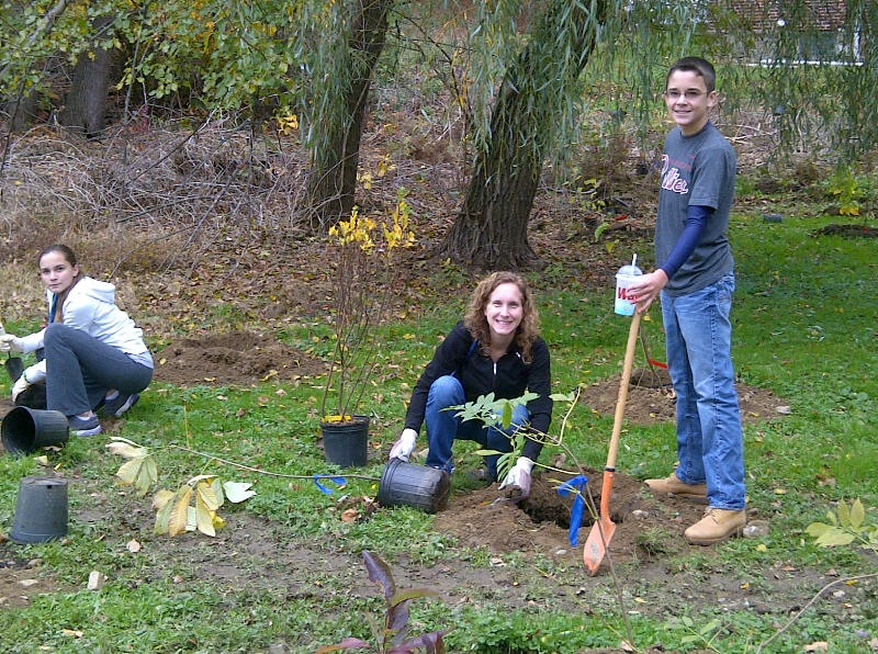 Parkview Riparian Buffer Planting