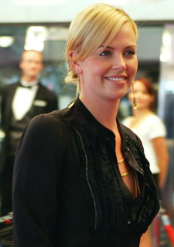 Charlize lovely @ History of Violence Toronto Film Festival Posted 31 OCT 2012