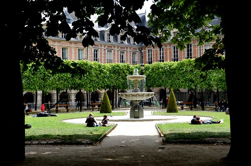 place de vosges ( Paris)
