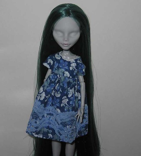Poor No-Face Ghoulia, rerooted in Restoredoll Fantasy Forest Green Nylatex hair. by tsubasa_ozora.rm