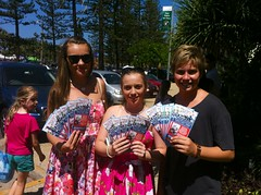 Coolangatta, 13/01/13. Meeting Fans