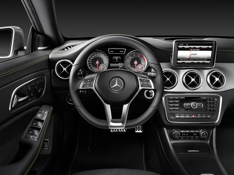 2014 Mercedes-Benz CLA250 interior