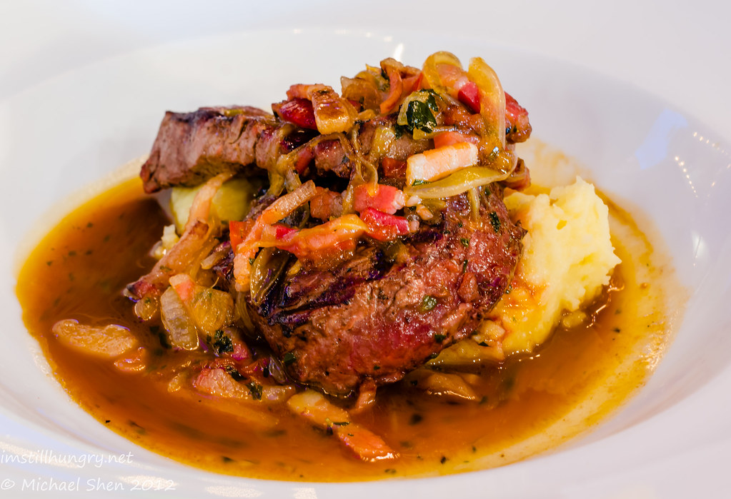 Casa Di Nico - tenderloin medallions - char-grilled prime beef w/roasted garlic mash, pancetta & balsamic onions