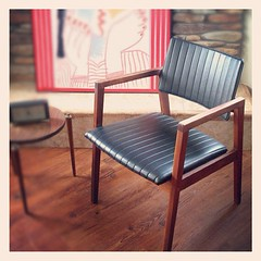 RETRO 1960S MID CENTURY MODERN CHAIR