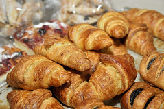 breakfast, baking, baked goods, pain au chocolat, bakery, food, bread roll, viennoiserie, dish, dessert, cuisine, danish pastry, croissant,