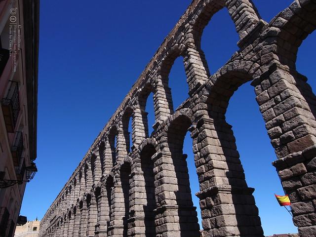 Hola Segovia~ 賽哥維亞。第一次看到建築奇蹟「羅馬水道橋」 R1044007