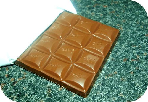 Cadbury's Dairy Milk Nutty Caramel