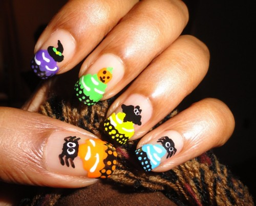 fuckyeahnailart: (via Halloween – Cupcake Nails « ♥...