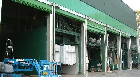 Porte rapide modello IP ST MO  chiusura di vani tecnici in centro per la raccolta dei rifiuti solidi urbani