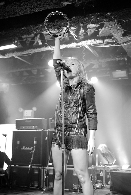 Metric Performs LIVE in Vancouver at Topshop/Topman Store Opening