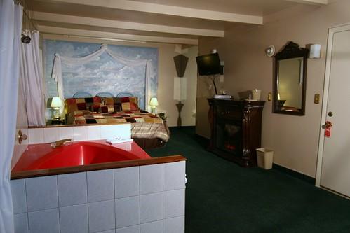 Cedar Lodge-Honeymoon Suite (2)