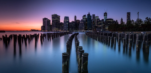 longexposure sunset newyork skyline pier unitedstates dusk manhattan brooklynbridge brooklynbridgepark woodenpoles