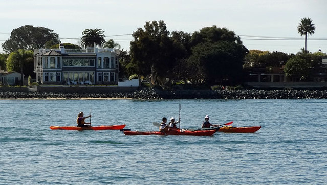 kayakers-san-diego-bay