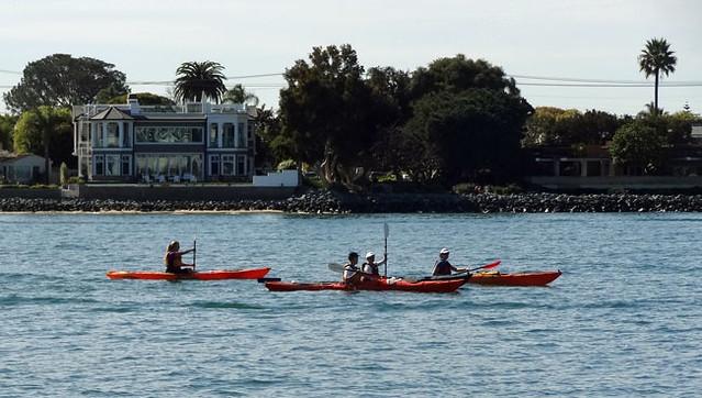 kayakers-san-diego-bay