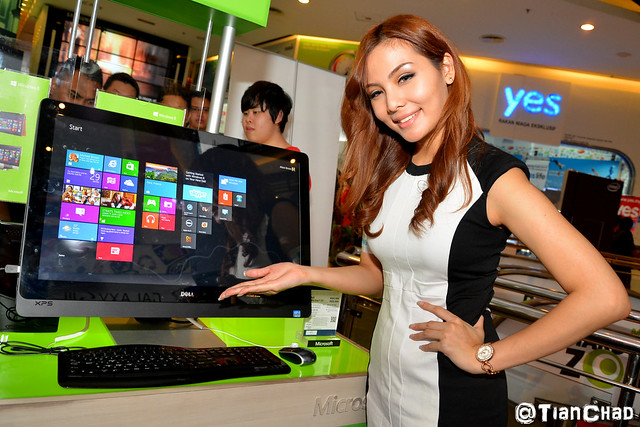 Windows 8 Malaysia Launch New Tablet Laptop Gadget @ Plaza Low Yat
