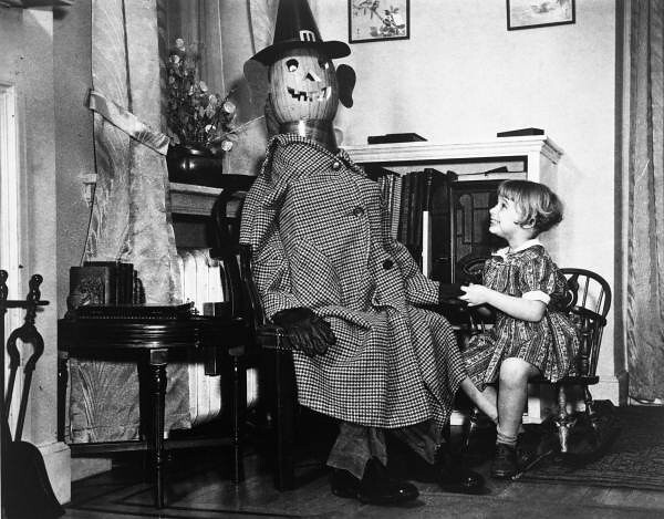 Lois Duncan Steinmetz with a pumpkin headed mannequin: Philadelphia, Pennsylvania